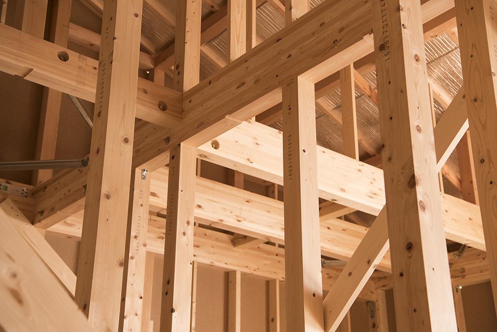 構造パネルを使用したハイブリッドモノコック構造で安心の家づくり